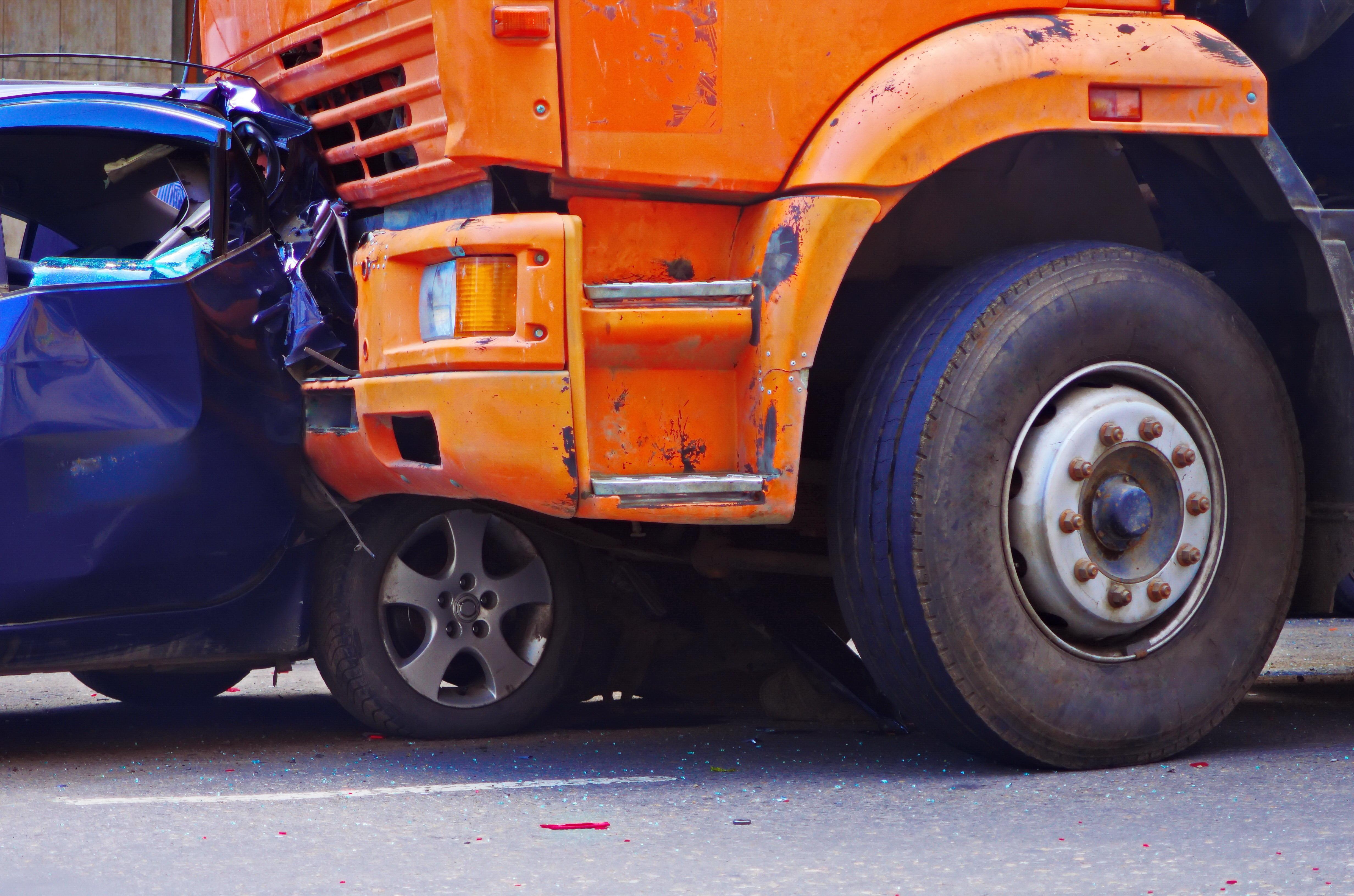 ¿Por Qué son Tan Peligrosos los Accidentes de Camiones Comerciales en Florida?